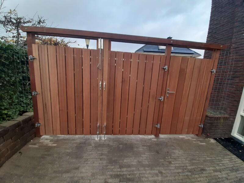 Dubbele poort in zoetermeer